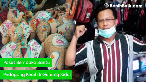 Paket Sembako Bantu Pedagang Kecil di Gunung Kidul