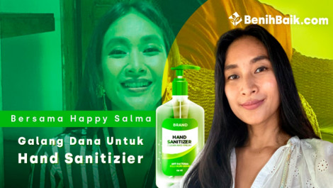 Bersama Happy Salma Berbagi Hand Sanitizier