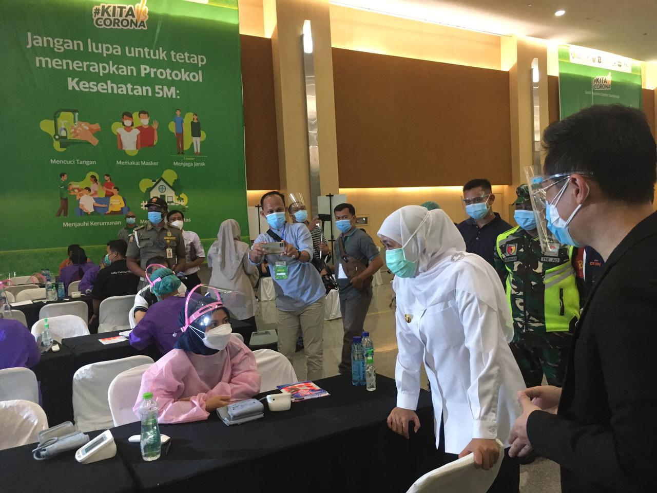 Gubernur Jawa Timur Mengapresiasi Kerja Sama Grab dan Benihbaik.com Menghadirkan Pusat Vaksin