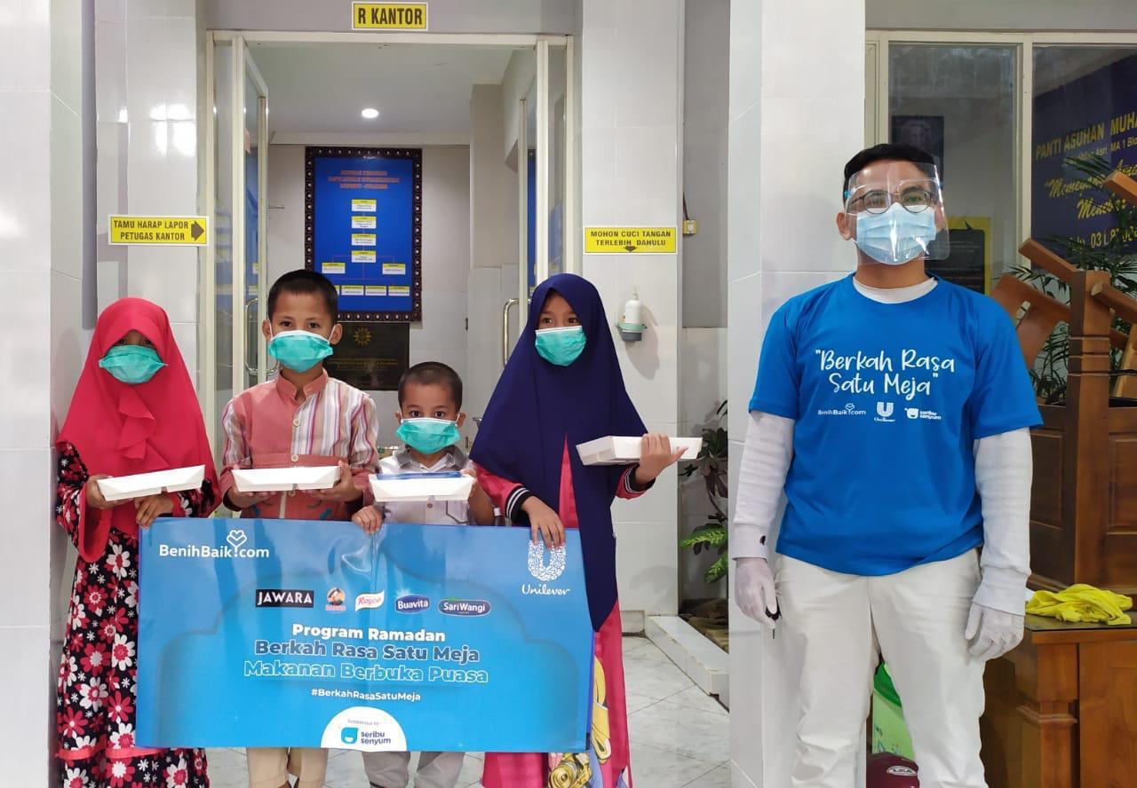 PT Unilever Donasikan Rp1 Miliar untuk Paket Berbuka Puasa